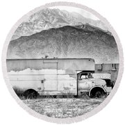 Not In Service Bw Palm Springs Round Beach Towel