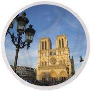 Notre Dame Tourists Round Beach Towel