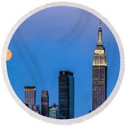 Nyc Under The Supermoon Round Beach Towel