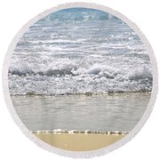 Ocean Shore With Sparkling Waves Round Beach Towel