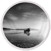 Off Road Uyuni Salt Flat Tour Black And White Round Beach Towel