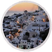 Oia Town During Sunset Round Beach Towel