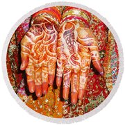 Oil Painting - Wonderfully Decorated Hands Of A Bride Round Beach Towel