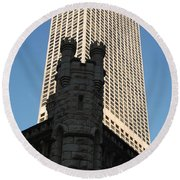 Old And New In The Windy City Round Beach Towel