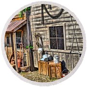 Old Bait Shop And Antiques Round Beach Towel