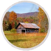 Old Barn Along Slick Fisher Road Round Beach Towel