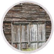 Old Barn In Maine Round Beach Towel by Keith Webber Jr