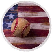 Old Baseball On American Flag Round Beach Towel