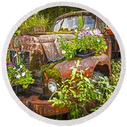Old Truck Betsy Round Beach Towel