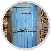 Old Blue Door Round Beach Towel