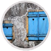 Old Blue Shutters Round Beach Towel