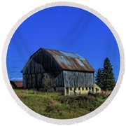 Old Broken Down Barn In Ohio Round Beach Towel