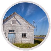Old Building In North Rustico Round Beach Towel