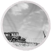 Old Car Round Beach Towel