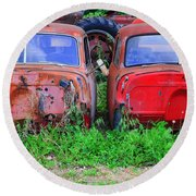 Old Cars Round Beach Towel