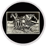Old Case Thresher - Black And White Round Beach Towel