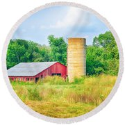 Old Country Farm And Barn Round Beach Towel