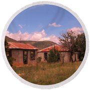 Old Country Homes Round Beach Towel