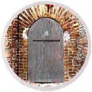 Old Doorway Of Pidgeon Island Fort Round Beach Towel