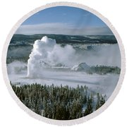 3m09132-01-old Faithful Geyser In Winter Round Beach Towel