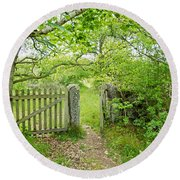 Old Garden Gate Round Beach Towel