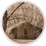 Old Hay Barn Round Beach Towel