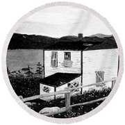 Old House In Black And White Round Beach Towel