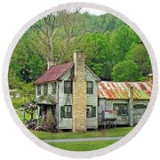 Old House In Penrose Nc Round Beach Towel