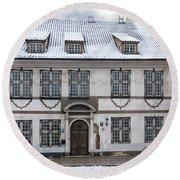 Old House In Riga Round Beach Towel
