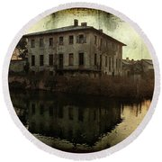 Old House On Canal Round Beach Towel