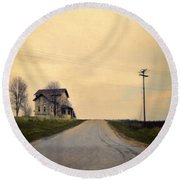 Old House On Country Road Round Beach Towel