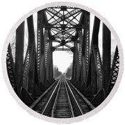 Old Huron River Rxr Bridge Black And White  Round Beach Towel
