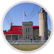 Old Mackinac Mi Lighthouse 19 Round Beach Towel