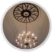 Old Meeting House Chandelier Round Beach Towel