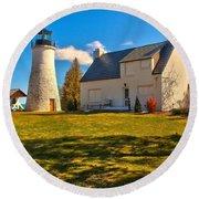 Old Presque Isle Lighthouse Round Beach Towel