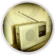 Old Radio Round Beach Towel