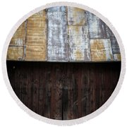 Old Rusty Tin Roof Barn Round Beach Towel