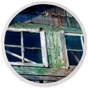 Old Salt Window Round Beach Towel