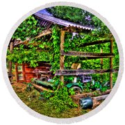 Old Shed Round Beach Towel