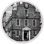 Old State House In Boston Round Beach Towel
