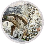 Old Towns Of Tuscany San Gimignano Italy Round Beach Towel