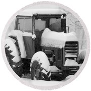 Old Tractor In The Snow Round Beach Towel