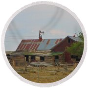 Old Vacant Country Property Round Beach Towel