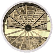 Old Wagon Wheel 1 Round Beach Towel