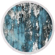 Old Wall Round Beach Towel