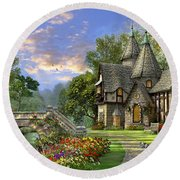 Old Waterway Cottage Round Beach Towel