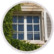 Old Window With Creeper. Round Beach Towel
