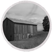 Olde Homestead - Olde Barn - Black And White Round Beach Towel