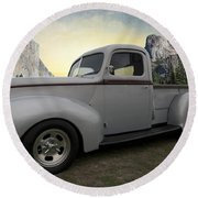 Older Classic Truck Round Beach Towel