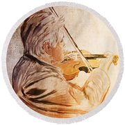 On Stage The Violinist Round Beach Towel